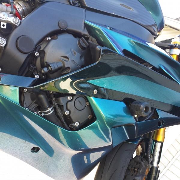 4779bg blue green purple superflash chameleon super bike close up