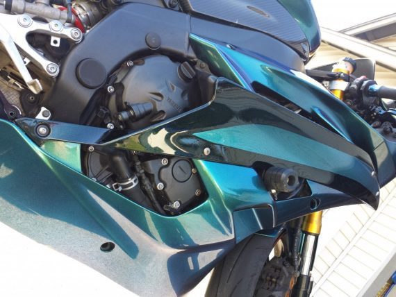 4779bg blue green purple superflash chameleon super bike close up