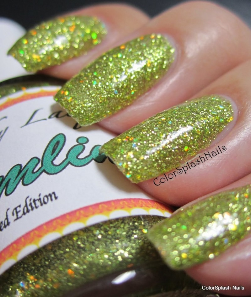 yellow-gold-chartreuse-flake-nails